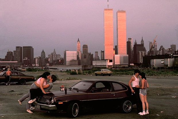 USA. New Jersey. 1983. Downtown Manhattan with World Trade Center towers, seen from